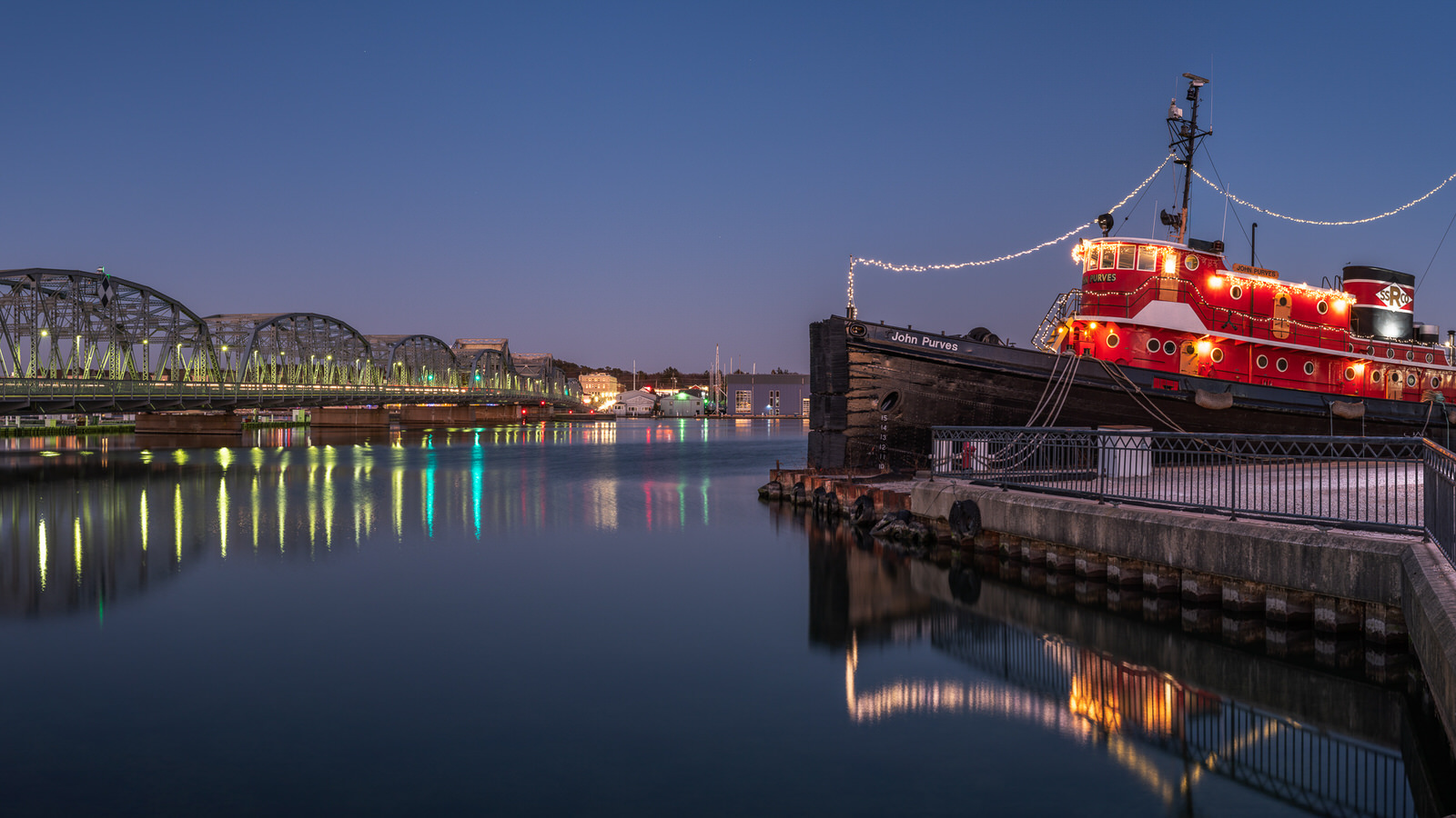 sturgeon Bay, waterfront, door county, wisconsin, tugboat, christmas lights, reflection, night, sturgeon bay christmas